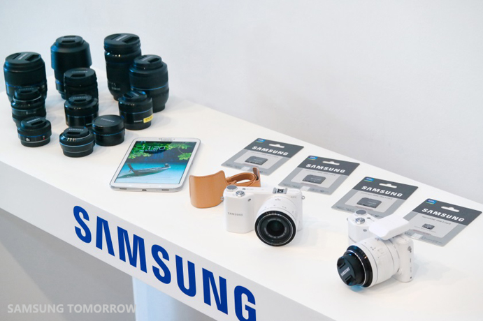 NX2000 Cameras and Lenses at the media presentation in Madrid