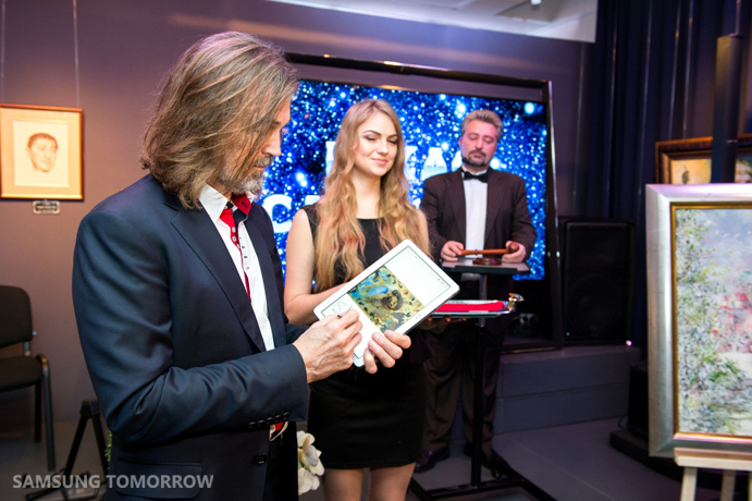 Samsung Electronics Ukraine and The exhibition of the most famous Russian artist Nikas Safronov