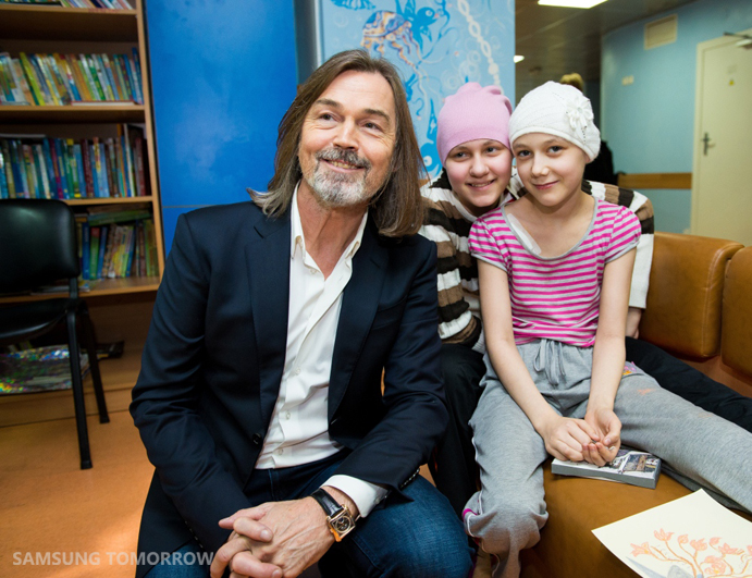 Samsung and Nikas Safronov have Joined Efforts to Support Children Sick with Cancer