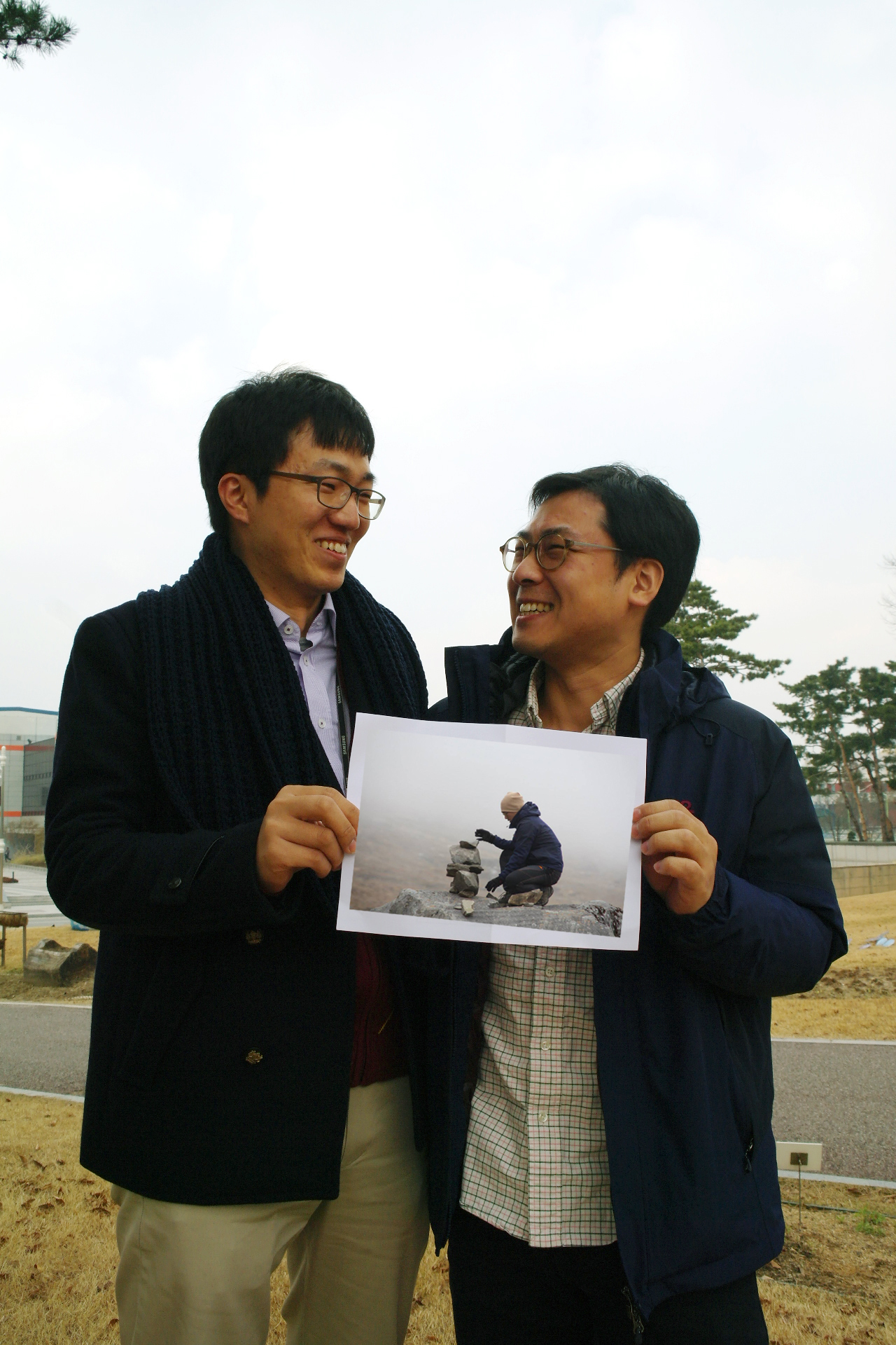 Songbaik Jin from the C-Lab at Samsung Printing Solution and Sangwook Cho from the Power Device Development Team at System LSI Samsung Electronics