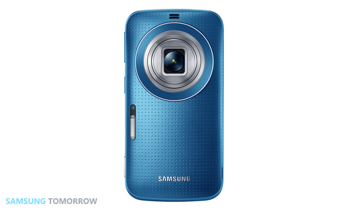 Galaxy-K-zoom_Electric-Blue_02(Lens-open)