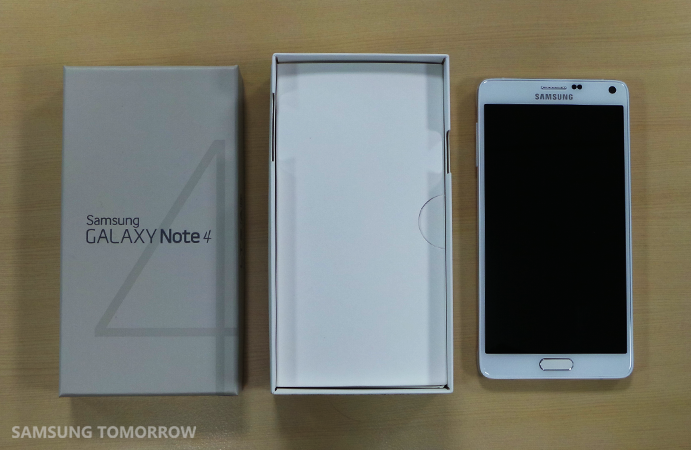 Unboxing the Galaxy Note 4_2