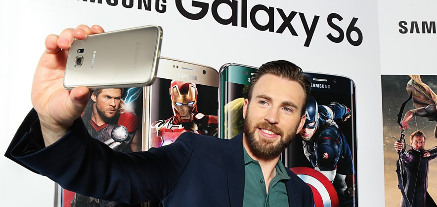 Chris Evans Lands in Seoul Ahead of Marvel's Avengers: Age of Ultron Release, Takes Selfies with Galaxy S6