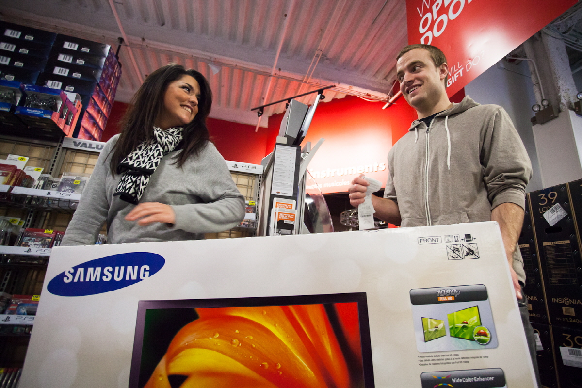 Samsung TV at Best-Buy Stores on Black Friday - Samsung